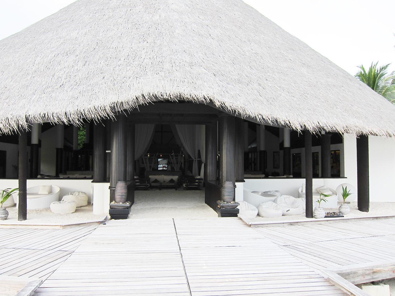 Maldives by MyParisstyle Kihaad lobby